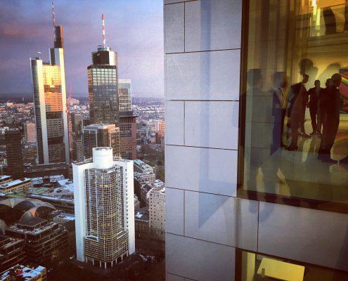 Bürogebäude / Skyline