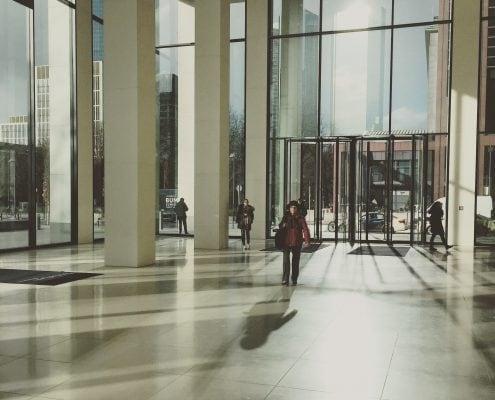 Bürogebäude Lobby